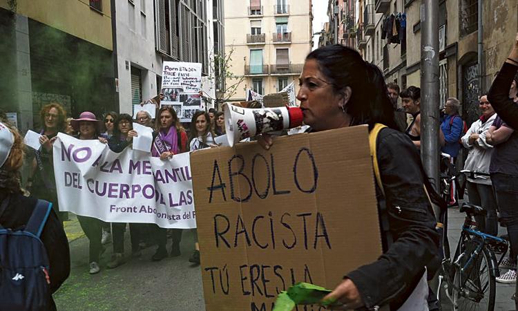 Intent de boicot a una marxa contra la prostitució al Raval