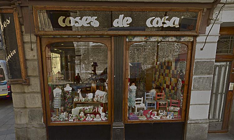 Tanquen dos comerços històrics més del barri Gòtic