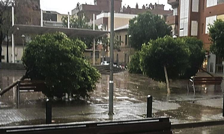 El temporal Glòria deixa dos ferits a la ciutat