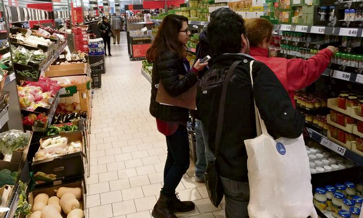 Els veïns de Sant Ildefons trien els supermercats per comprar