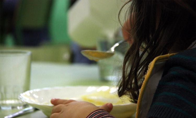 L'Ajuntament reorganitza les beques menjador per garantir els àpats dels infants