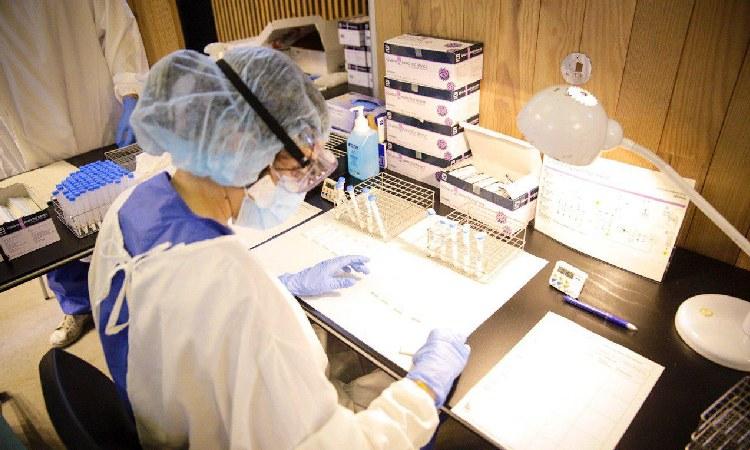 Salut fa un cribratge massiu per detectar el coronavirus a Sagrada Família