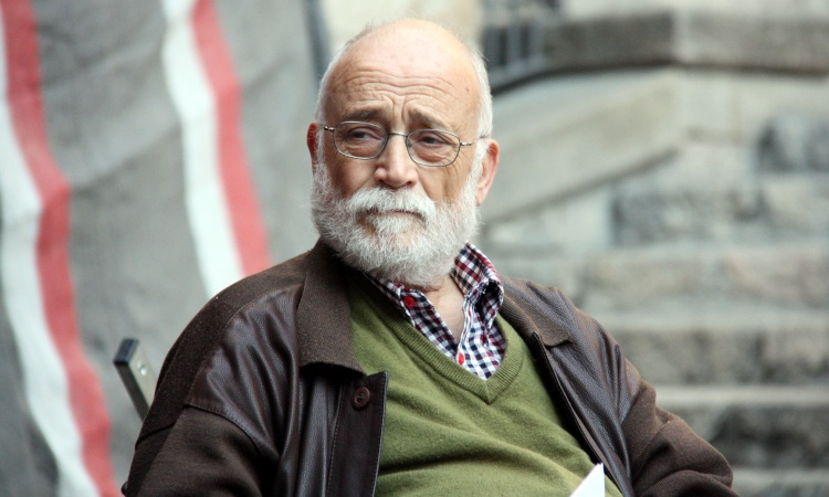 Condol a l'Esquerra de l'Eixample per la mort d'Arcadi Oliveres