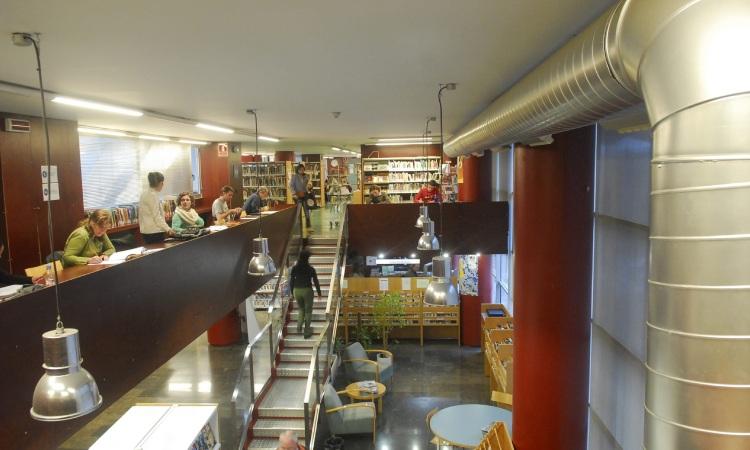 La Dreta de l'Eixample demana l'ampliació de la biblioteca Sofia Barat