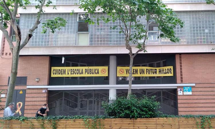 Suport veïnal per millorar els patis de les escoles Auró i Diputació