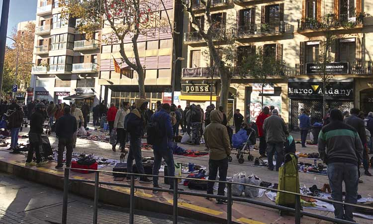 El 'mercat de la misèria' troba un espai a Sant Antoni
