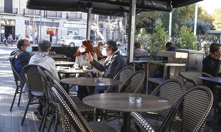 La reobertura de bars i restaurants i el Black Friday impulsen poc el comerç