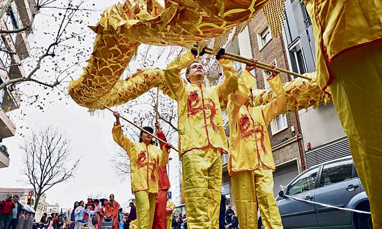 La comunitat xinesa celebra l'arribada del nou any