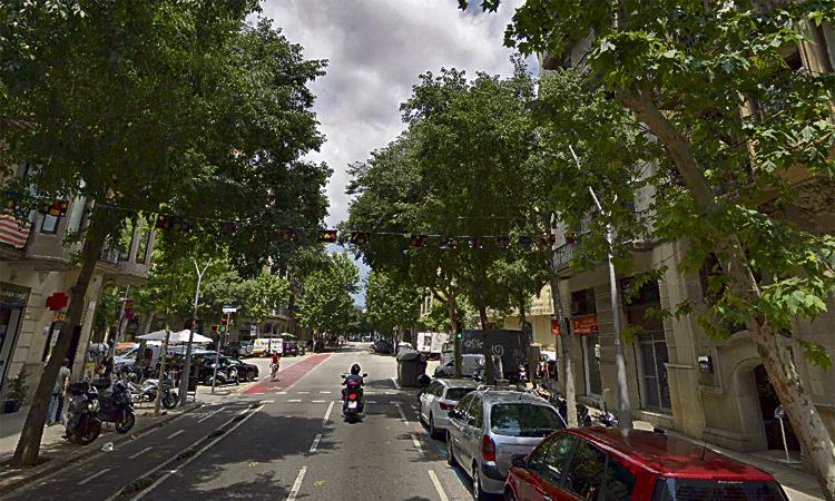 Colau suspèn les llicències de bars i restaurants al carrer Girona
