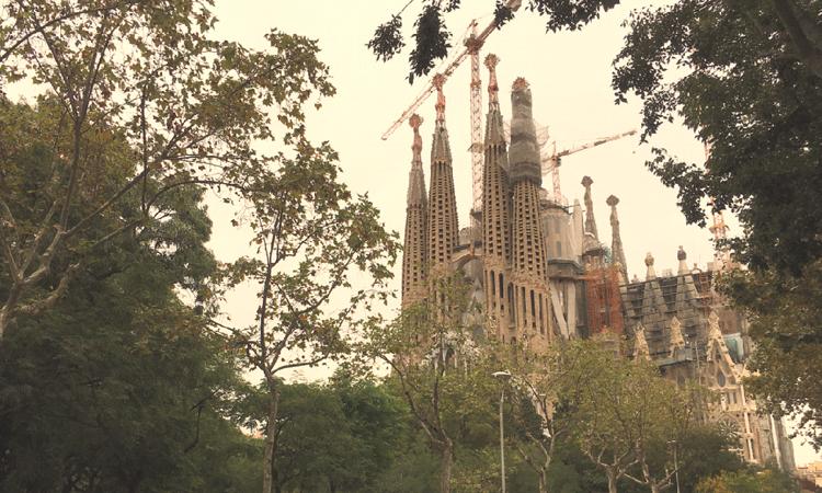 Al·legacions veïnals a l'acord entre Colau i Sagrada Família