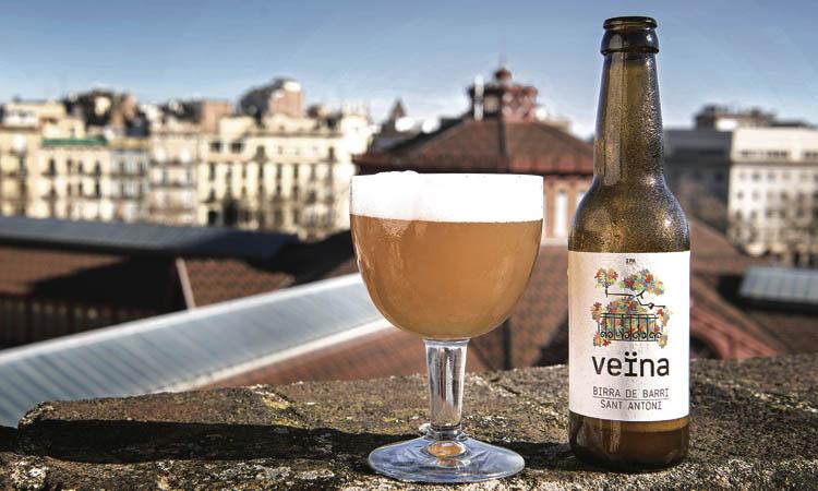 Veïna, una cervesa amb gust de barri i solidaritat