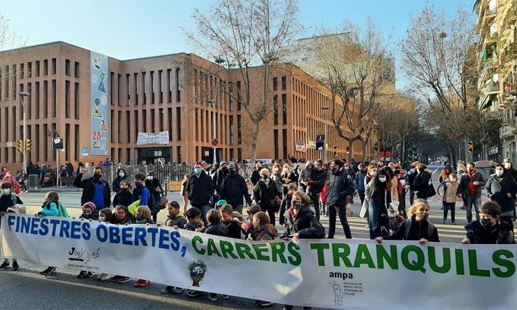 La revolta escolar contra la contaminació es fa més gran