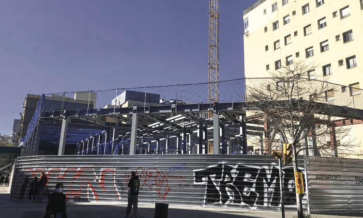 En marxa les obres per fer 108 pisos a l'Arc de Triomf