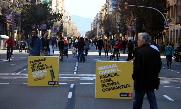 """Una """"revolta veïnal"""" tallarà el carrer Aragó aquest diumenge"""