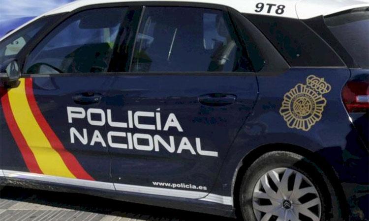 Set detinguts per estafar més de 200 persones per internet