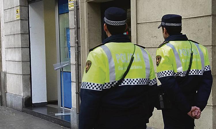Detingut un home per abusar d'una dona al passeig de Gràcia