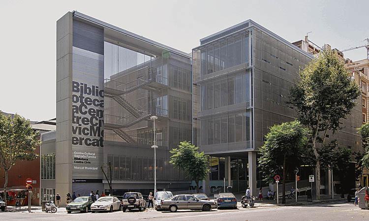 El Centre Cívic Sagrada Família torna a obrir les aules