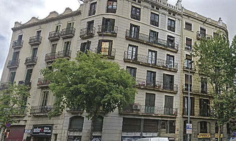 En marxa les obres del bloc del número 317 d'Aragó