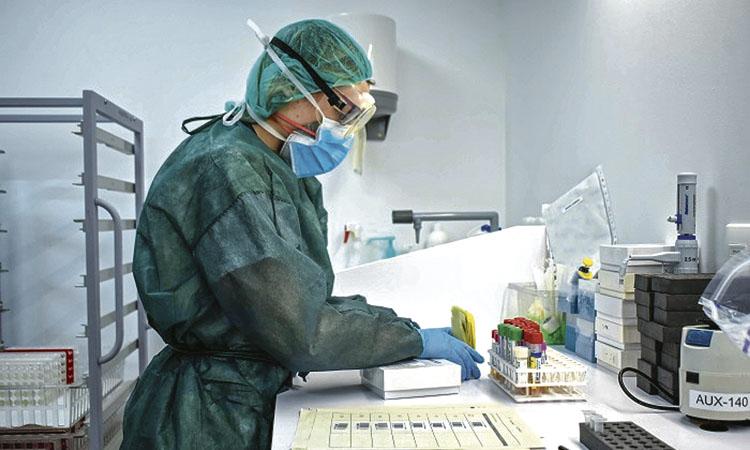 Objectiu: 30.000 proves diàries per fer front al virus