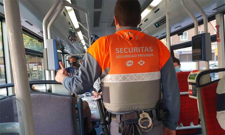 TMB posa vigilants als autobusos