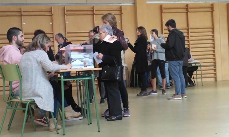 Fort augment de la participació del 28-A a Gràcia