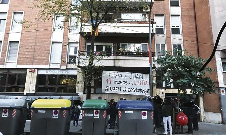El polèmic desnonament d'en Juan i la Lívia, suspès de nou