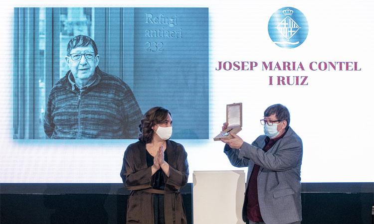 Josep Maria Contel i Salutem reben la Medalla d