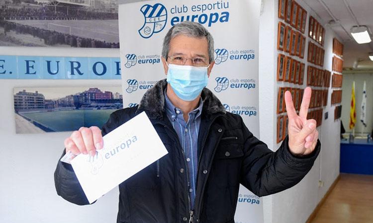 Víctor Martínez guanya les terceres eleccions de la història de l'Europa