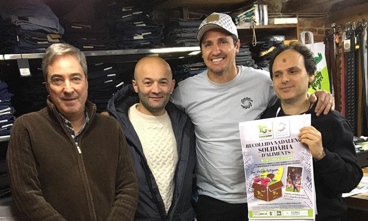 Edmílson i Bakero s'impliquen en la recollida d'aliments de la Unió de Botiguers