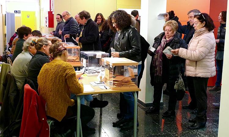 Gairebé cinc punts menys de participació a Gràcia a les sis de la tarda