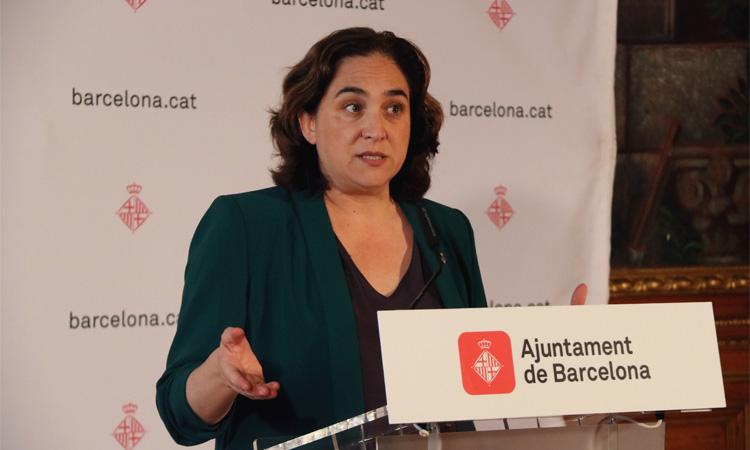 Colau, els sindicats i Barcelona Comerç reclamen la suspensió o rebaixa dels lloguers
