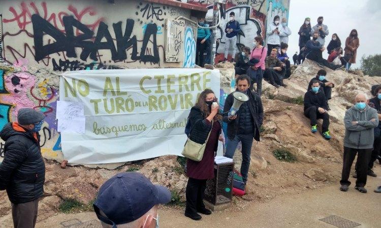 El futur tancament del mirador del Turó de la Rovira genera polèmica