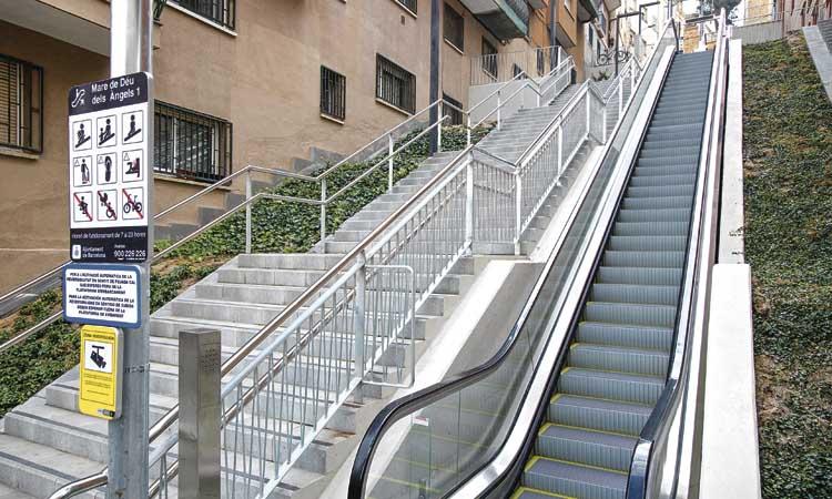 Menys pendent a la Teixonera: noves escales mecàniques