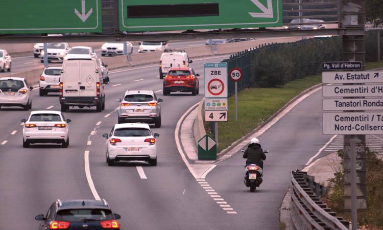 Volen que la Zona de Baixes Emissions posi més límits als vehicles