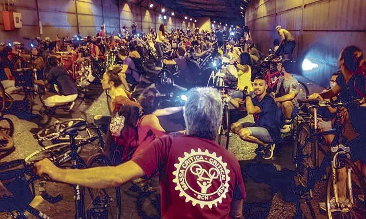 Reclamen que es faci un carril bici al túnel de la Rovira