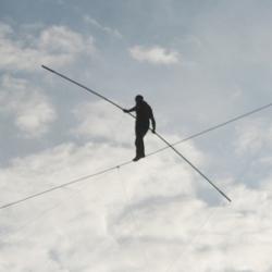 Caminant a la corda fluixa
