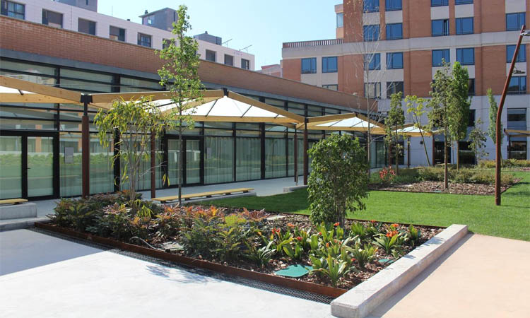 L'hotel Alimara ja acull personal sanitari del Vall d'Hebron