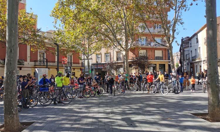 Clam per dos nous carrils bici i millorar la superilla d'Horta