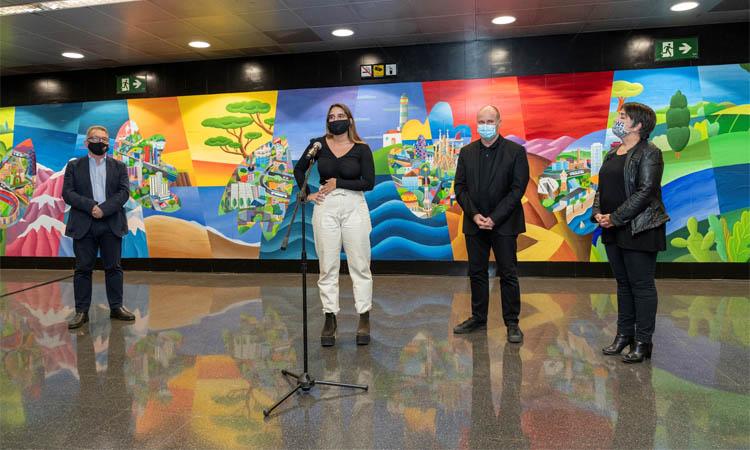 Un mural a l'estació Guinardó-Hospital Sant Pau homenatja el personal sanitari