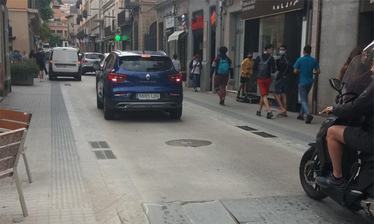 """Bicicletada per dos nous carrils bici i una superilla """"sense cotxes"""""""