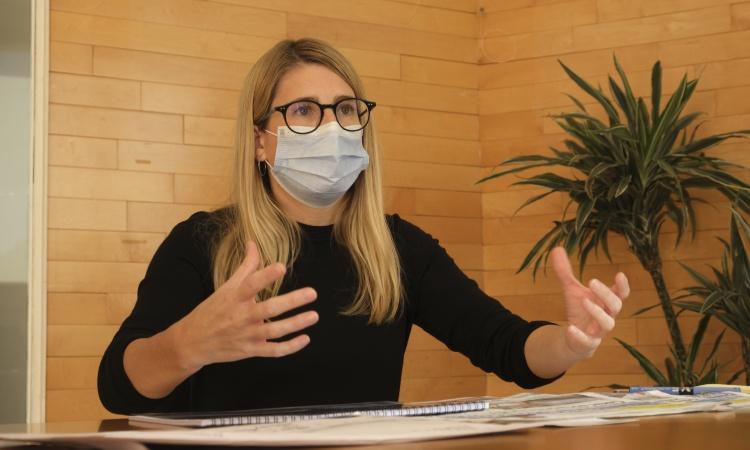 """Elsa Artadi: """"Colau viu en un núvol acrític amb el govern espanyol"""""""