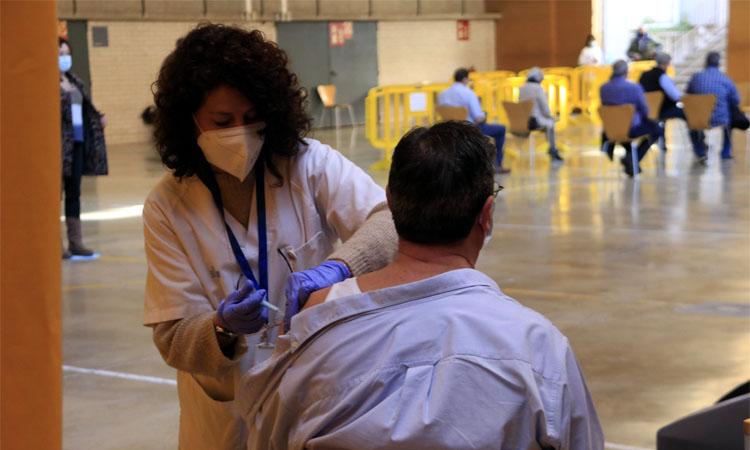 Salut obre un web per a la vacunació de la franja de 60 a 65 anys