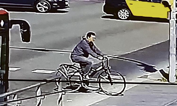 Un ciclista atropella un menor a Pedralbes i es fuga