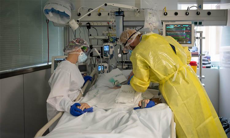 Professionals sanitaris demanen prudència davant una possible tercera onada