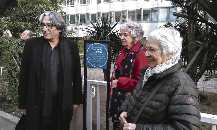 El científic Joan Oró ja té una placa a les Corts