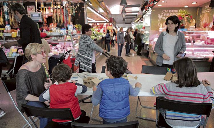 Les Corts celebra la Setmana Internacional dels Mercats