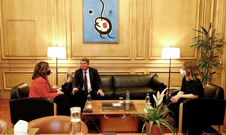 Laporta presenta canvis en el projecte de l'Espai Barça