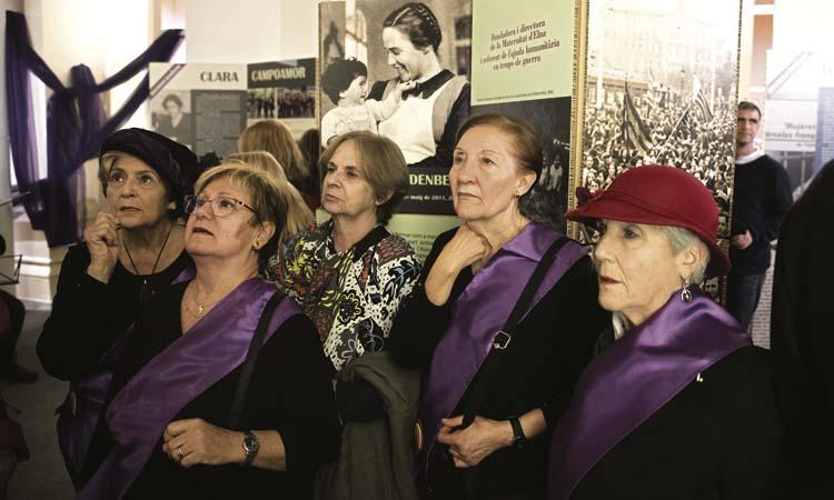 El 25N omple les Corts d'actes per reivindicar el feminisme