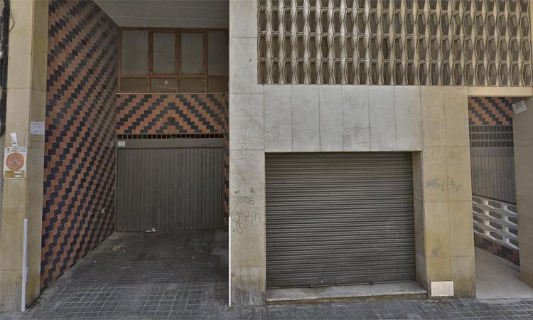 L'Ajuntament nega que negociï amb l'empresa dels pisos rusc