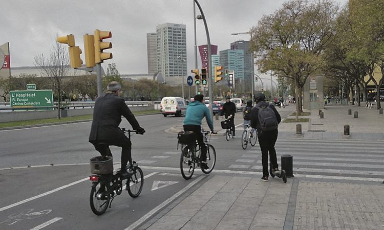 Creix l'ús de la bicicleta i el patinet elèctric a la ciutat